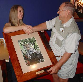 Leopard Photo Fundraiser winner Louise Brown with Lodewyk Kitzinger  Chairman 2009