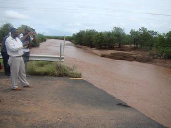 Mapungubwe - Water on R572 Bridge to Pontdrift (2)