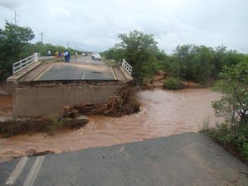 Mapungubwe - Weipe bridge on R572
